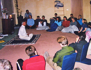 Yogi Shanti Desai Yogi Shanti Desai and  teacher training in Iceland in 1998